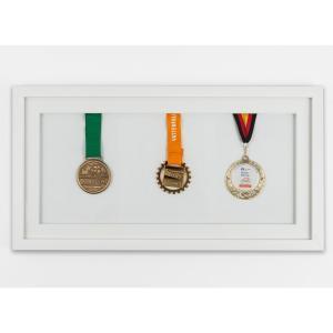 Lijst voor medailles 25x50 cm, wit