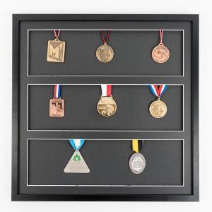 Lijst voor medailles 50x50 cm, zwaart