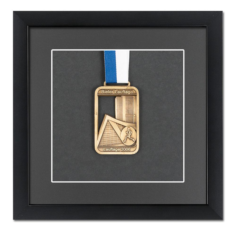 Lijst voor medailles 20x20 cm, zwaart
