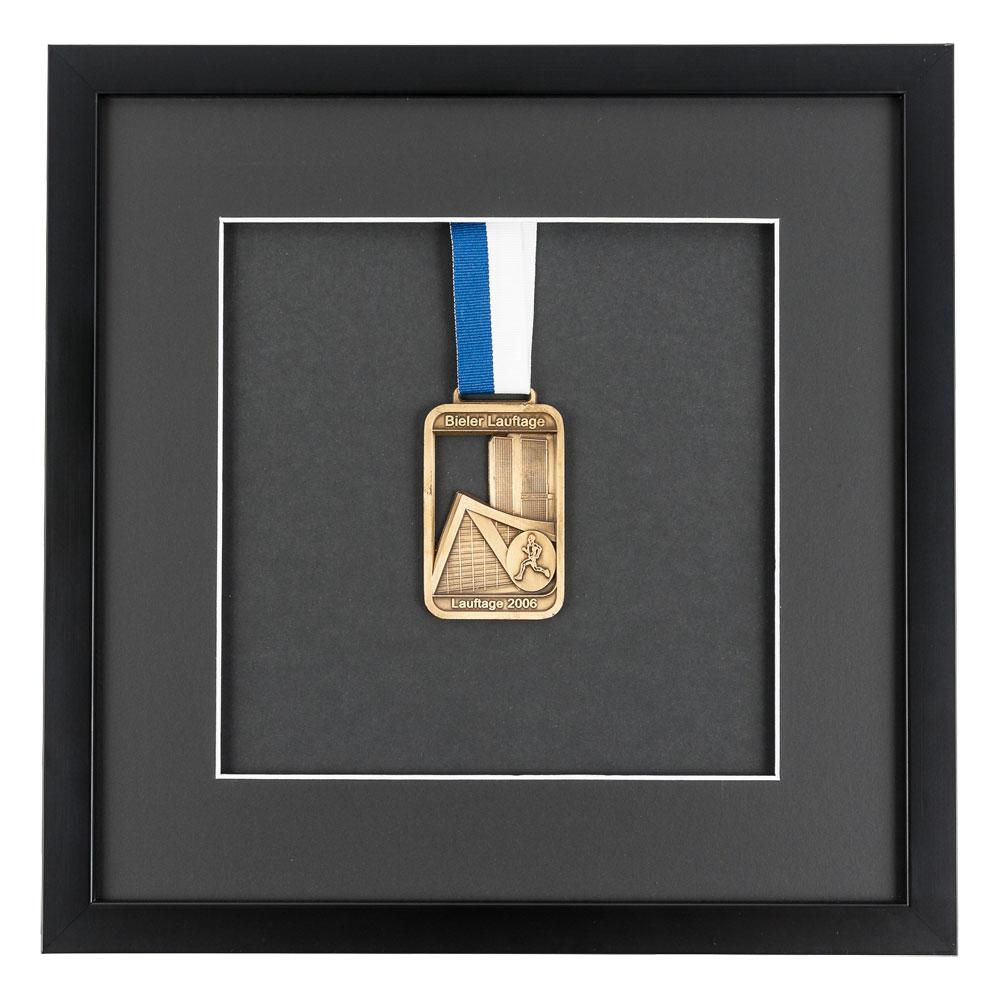Lijst voor medailles 30x30 cm, zwaart