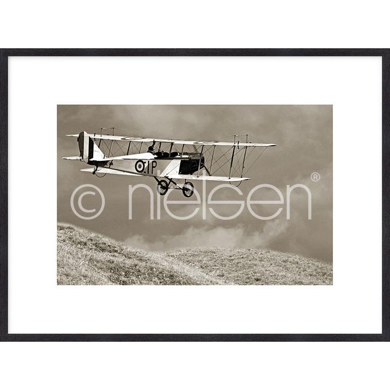 """Beeld met lijst """"Historic Plane"""" met lijst van hout Quadrum"""